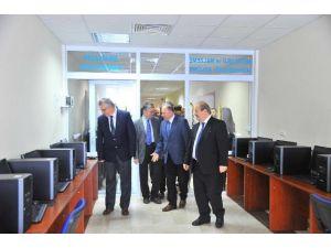 SAÜ'de Yeni Laboratuvarlar Hizmete Açıldı