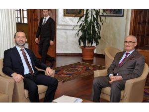 Ünye Belediye Başkanı Çamyar, Başkan Yılmaz'ı Ziyaret Etti