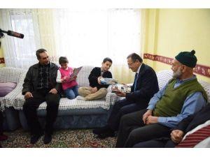 Başkan Uğur'dan Çat Kapı Ziyaret
