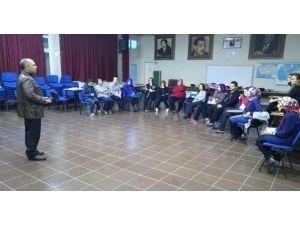 Gediz Halk Eğitimi Merkezi'nde 'Drama Eğitimi' Semineri Düzenlendi