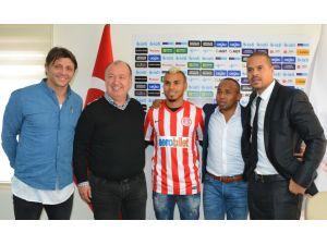 Antalyaspor'un orta sahası Belçikalı milli futbolcuya emanet