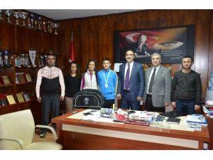 Malatyalı Yüzücü Metahan Altuntop Altın Madalya Kazandı