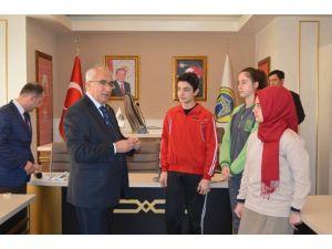 Başkan Güler, TEOG Birincilerini Ödüllendirdi