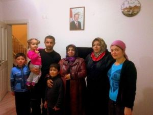 Vali Kahraman'ın Eşi Muhsine Kahraman, Kızı Rabia Kahraman İle Birlikte Ahıskalı Ailelerin Misafiri Oldu