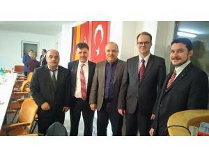 70 Alman milletvekili Hataylı imamı camide ziyaret etti