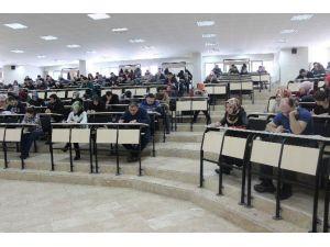 Atatürk Üniversitesi Açıköğretim Fakültesi 140 Bin Öğrencisine 68 Sınav Merkezinde Final Sınavı Düzenledi