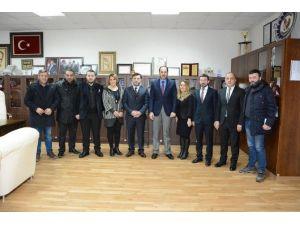 Trabzonlular Derneği, Başkan Ayaz'ı Ziyaret Etti