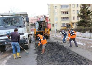Akçakoca'da Yağmurlama Sonrası Yol Onarımı Yapılıyor