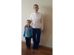 Şehzade Mehmet'li Öğrenci Jimnastikte Türkiye Şampiyonu Oldu