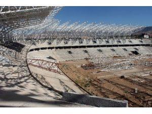 Malatya Arena'da İhaleyi Alan Firmaya Yer Teslimi Yapıldı