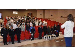 İncirliova'da Gençler Bilinçlendiriliyor