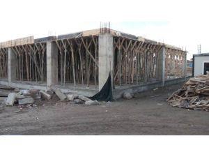 """Çumra'da """"Şehir Meydanı"""" Projesi Çalışmaları Sürüyor"""