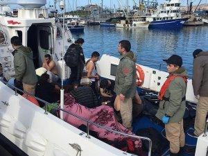Foça'da sığınmacıları taşıyan tekne battı: 5 ölü