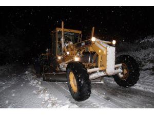 Bergama'yı Kar Vurdu