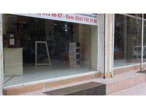 Nusaybin'de polis zırhlı aracına roketli saldırıda kasap dükkânı isabet aldı