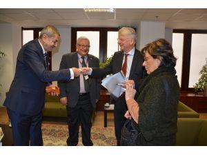 Büyükelçi Haber, Gazeteciler Cemiyeti Başkanı Bilgin'i kabul etti