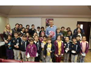 Başkan Tarhan, Minik Öğrencilerle Buluştu