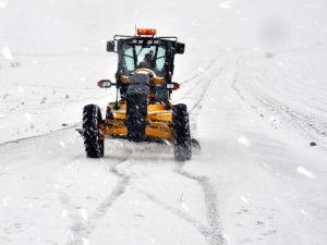 Kırıkkale'de Karla Mücadele Çalışmaları Sürüyor