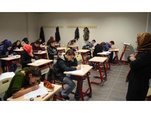 Akademik Lise'de Sınav Heyecanı Yaşandı
