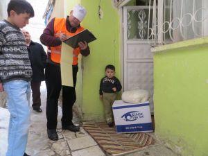 Kimse Yok Mu'dan 100 aileye yardım