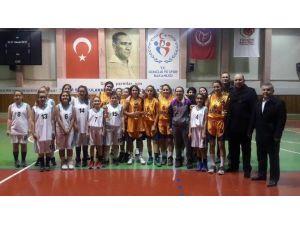 Nevşehir'de Kulüpler Arası Yıldız Kızlar Basketbol Maçları Tamamlandı