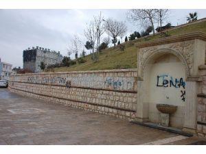 Duvar Yazıları Çirkin Görüntü Oluşturuyor