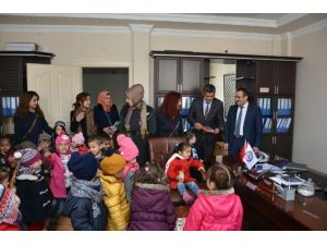Anaokulu Öğrencilerinden Kaymakam Akgül'e Ziyaret