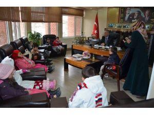 Kur'an Kursunun Minik Öğrencilerinden Başkan Yaman'a Ziyaret