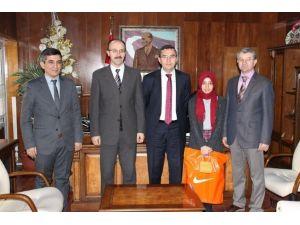 Kaymakam Keçeli TEOG Türkiye Birincisini Ödüllendirdi