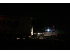 Nusaybin'de polis otobüsüne bombalı saldırı: 9 polis ve 1 sivil yaralı