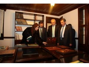 Vali Ve Belediye Başkanı, Sıtkı Olçar Çini Müzesi'ni Gezdi