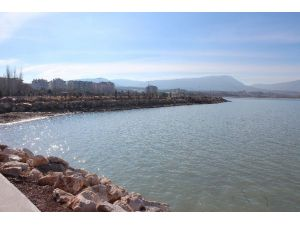 Beyşehir Gölü Kıyıları Eski Temiz Günlerine Geri Dönüyor