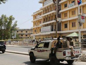 Mogadişu'da bombalı saldırı: 20 ölü
