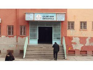Diyarbakır'da Karne Dağıtım Töreninde Patlama: 5 Öğrenci Yaralı