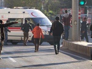 Diyarbakır'da karne dağıtılırken patlama: 5 öğrenci yaralı