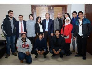 13 Ülkeden 15 Öğrenci Başkan Gürlesin'i Ziyaret Etti