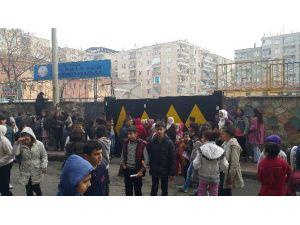 Diyarbakır'da Okula Eyp'li Saldırı: 5 Öğrenci Yaralandı