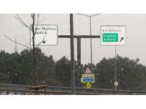Anadolu Yakasında Kar Yağışı Etkili Oluyor