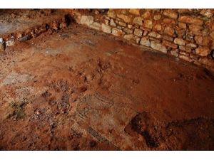 Tarihi Mozaik Korumaya Alındı