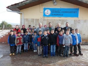 4 Eylül İlkokulu'ndan 'İyilikte Yarışalım Projesi'