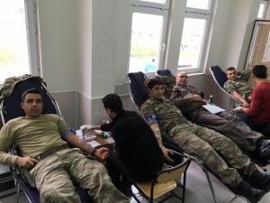 Besni Jandarmadan Kan Bağışı