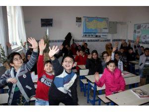 Gülşehir'de 3 Bin 691 Öğrenci Karne Aldı