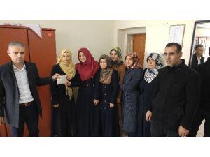Öğrenciler Harçlıklarını Madaya'ya Gönderdi
