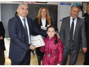 Tarsus'ta 72 bin 962 öğrenci karne aldı