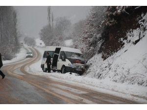 Tokat'ta Kar Yağışı Kazalara Neden Oldu