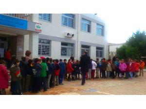 """Öğrencilerden Sığınmacılara """"İmece"""" Yardımı"""