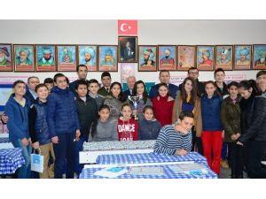 Lapseki'de 2 Bin Öğrenci Karne Aldı
