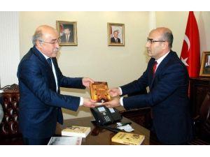 Türk Ocakları Genel Başkanı Öz'den, Vali Demirtaş'a Ziyaret