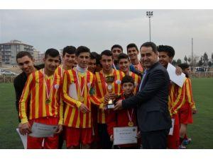 Okullar Arası Liseler Futbol Müsabakaları Sona Erdi