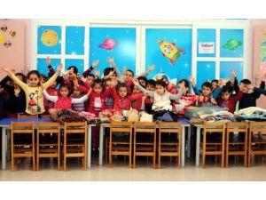 Miniklerden Türkmenlere Yardım Eli Uzandı